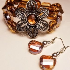 Jewelry - Amber colored bracelet and earrings set